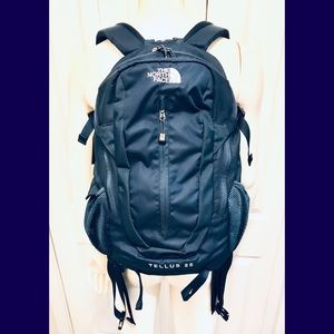THE NORTH FACE BACKPACK NAVY BLUE
